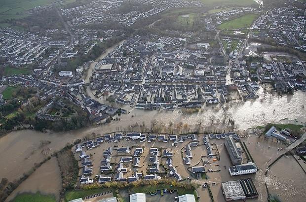 Cockermouth-floods-aerial-4-620x410